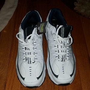 Mens size 12 Skechers Sneakers